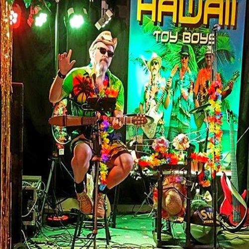 Hawaii Toy Boys i Mullsjö. Afterbeach och trubadur